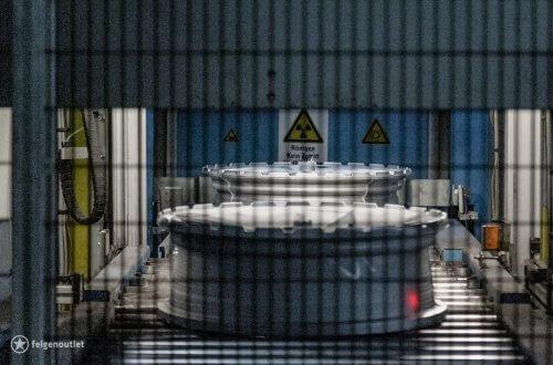 BBS Felgen werden beim Röntgen einer strengen Qualitätskontrolle unterzogen