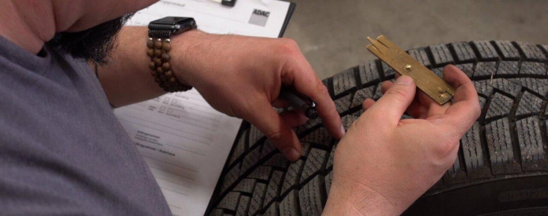Reifenprofiltiefe vor dem Einlagern messen
