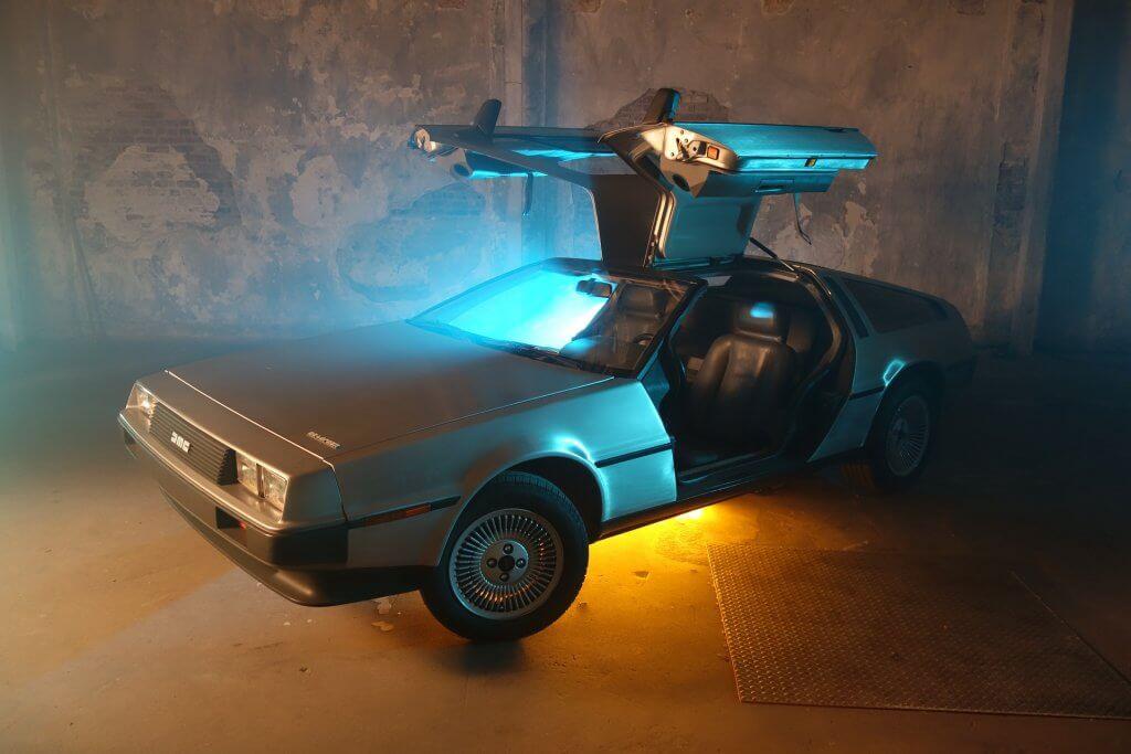 DeLorean mit Beleuchtung