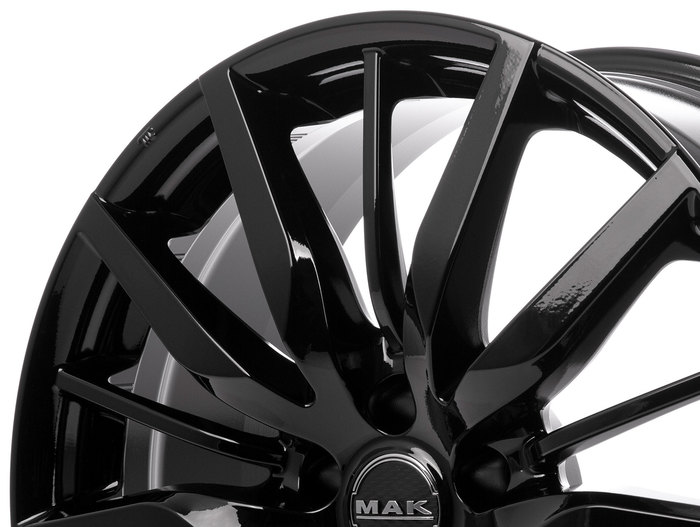 MAK Barbury Gloss Black
